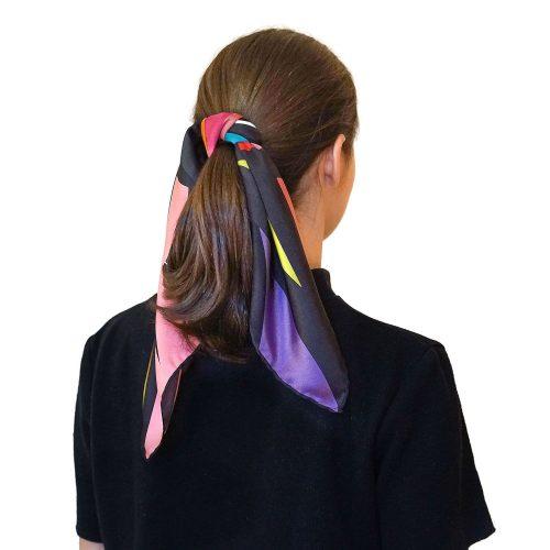 Pañuelo negro con color